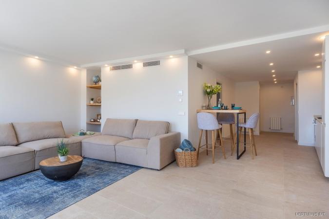 Wohn-Essbereich der hellen Wohnung in Palmas City