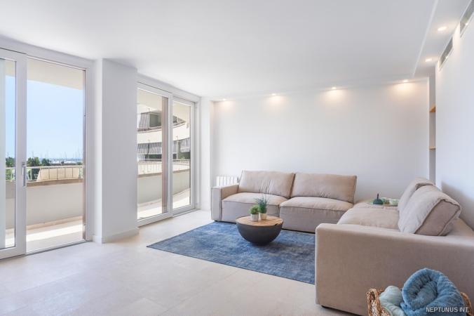 Wohnzimmer der hellen Wohnung in Palmas City
